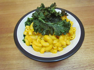 Macaro-No Cheese with Crispy Kale