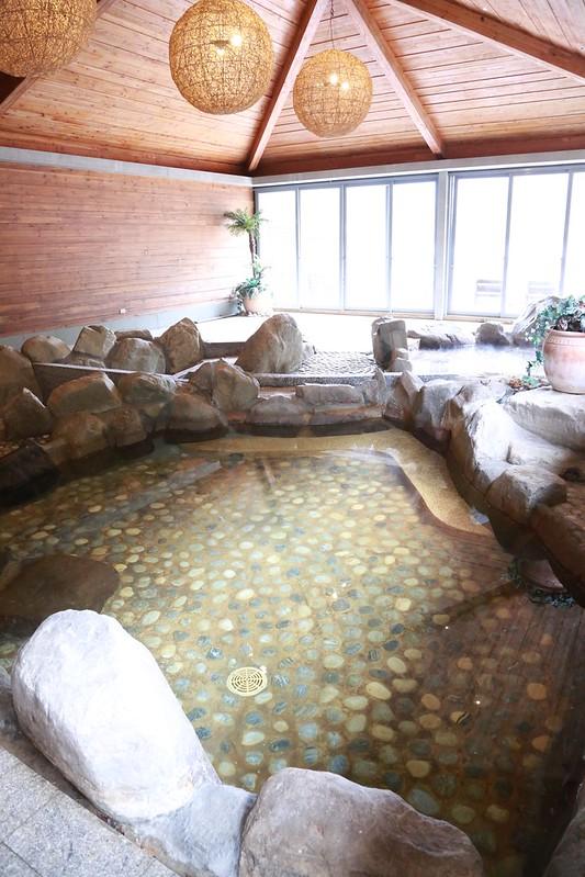 室內泡湯池