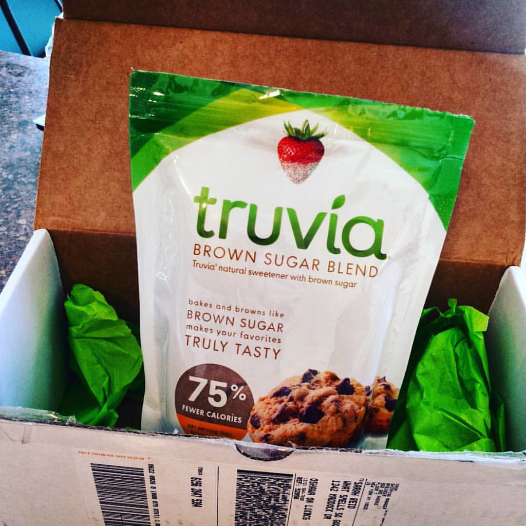 Lookie what we have here! As if I needed an excuse to #bake #food #truvia #brownsugar #baking blend @truvia