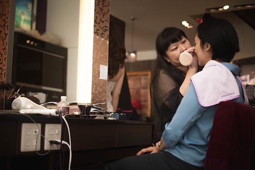 推薦新秘Tina~聖羅雅麗緻婚紗新娘秘書,好溝通又專業呦_幫立委林岱華做造型1