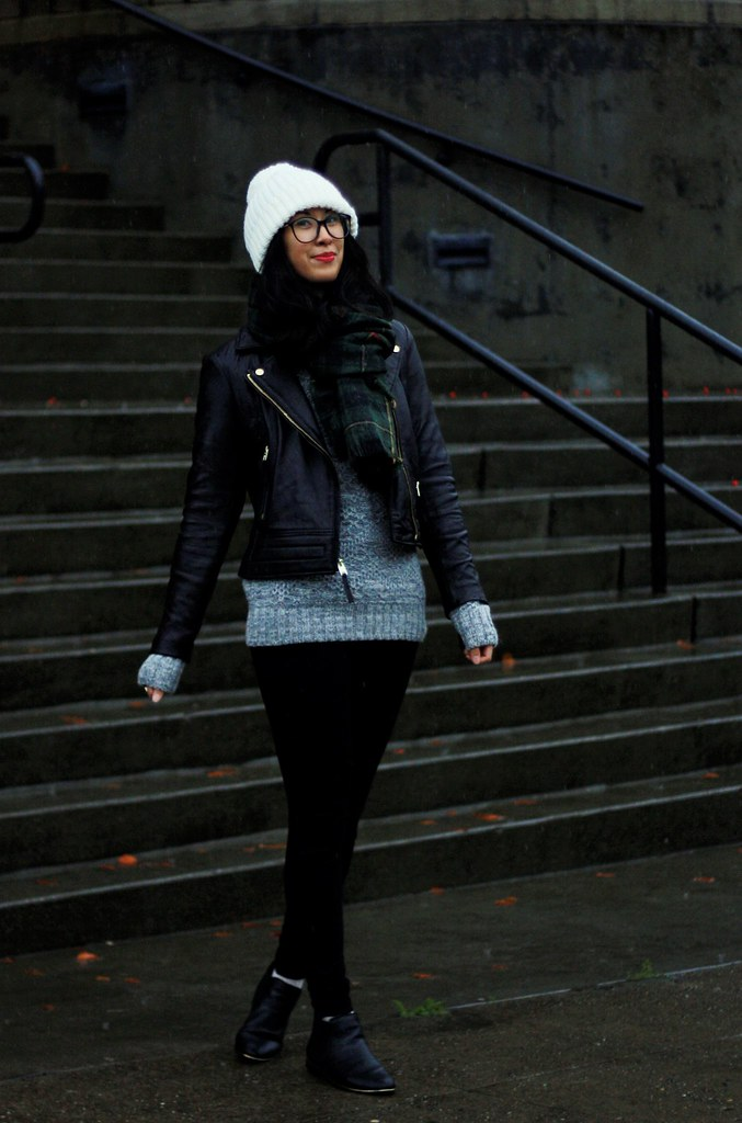 blanket-scarf-leather-jacket