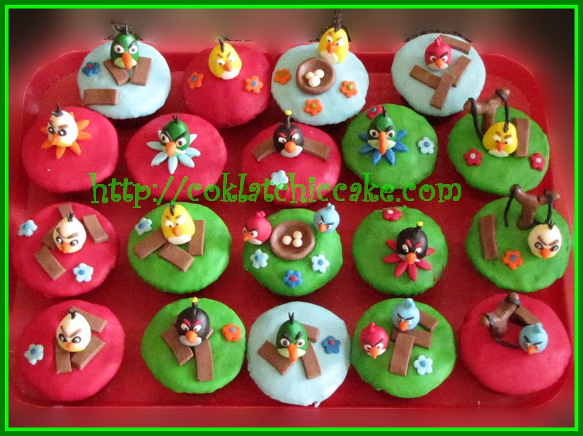 Cupcake Angry Bird