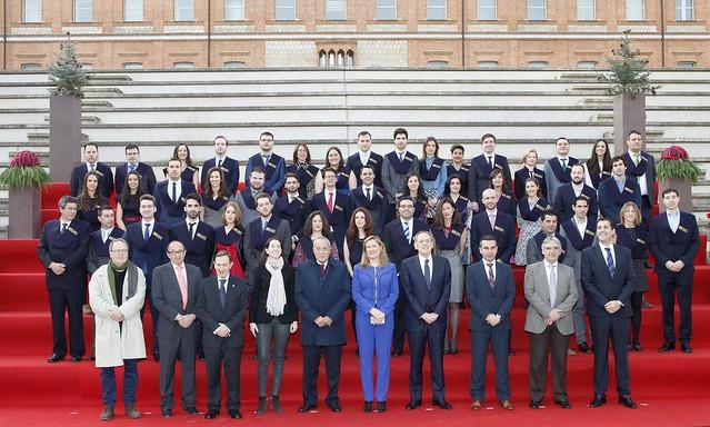 Foto de familia de los alumnos de los másteres en Comercio en Gestión del Comercio Exterior