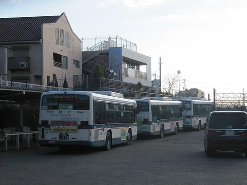 東中山駅から中山競馬場へのバス乗り場
