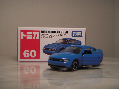 2010 Ford Mustang GT V8 1:67 Diecast by Tomica