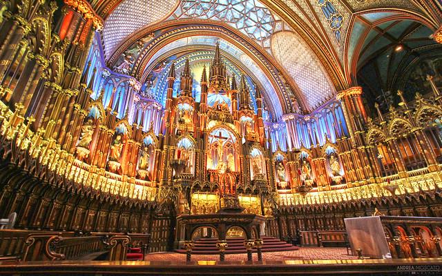 Notre-Dame Basilica of Montréal  (Québec, Canada)