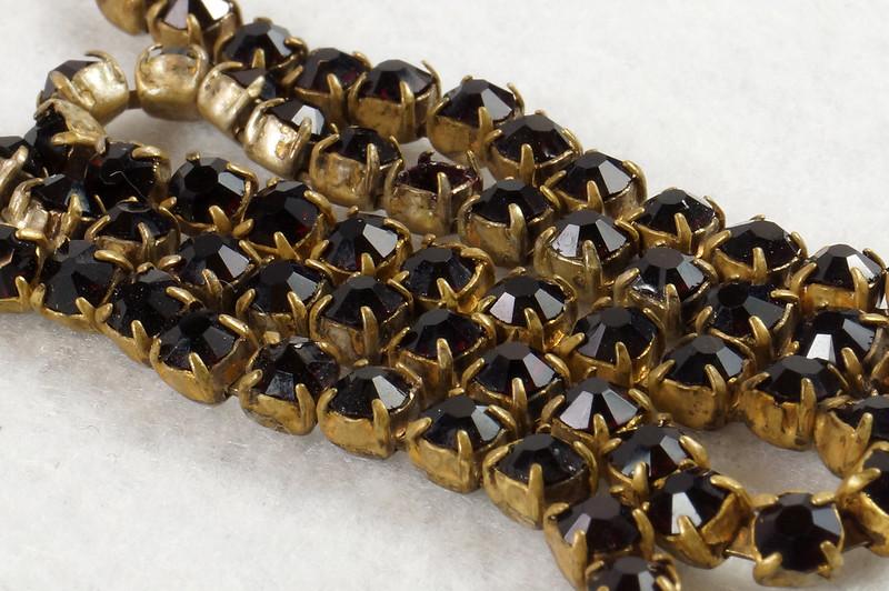 RD7042 Vintage Garnet Necklace Damaged Clasp Missing Stone DSC07942