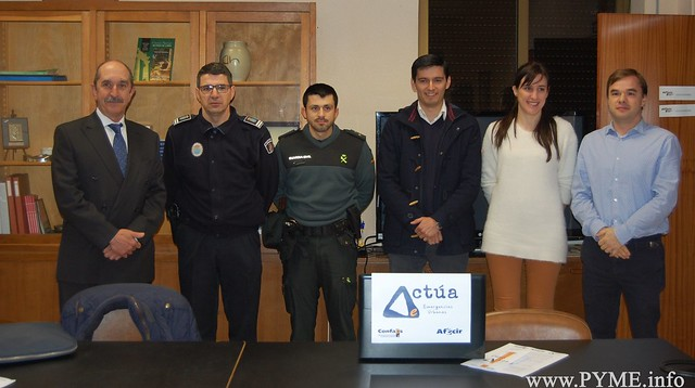 Foto de familia de las instituciones presentes en la presentación del Plan Actúa en Ciudad Rodrigo.