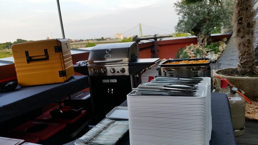 "HummerCatering #Eventcatering #Event #Catering #Burger #Grill #BBQ #Dessert #Köln #Rheinloft http://goo.gl/siJDlb • <a style=""font-size:0.8em;"" href=""http://www.flickr.com/photos/69233503@N08/20119040324/"" target=""_blank"">View on Flickr</a>"