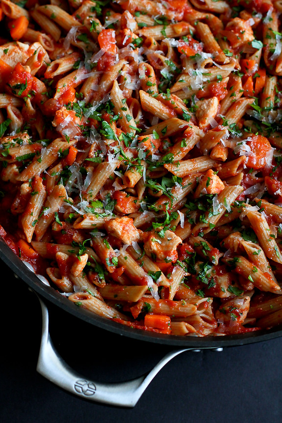 Skillet Whole Wheat Pasta With Chicken Tomato Sauce Cookin Canuck