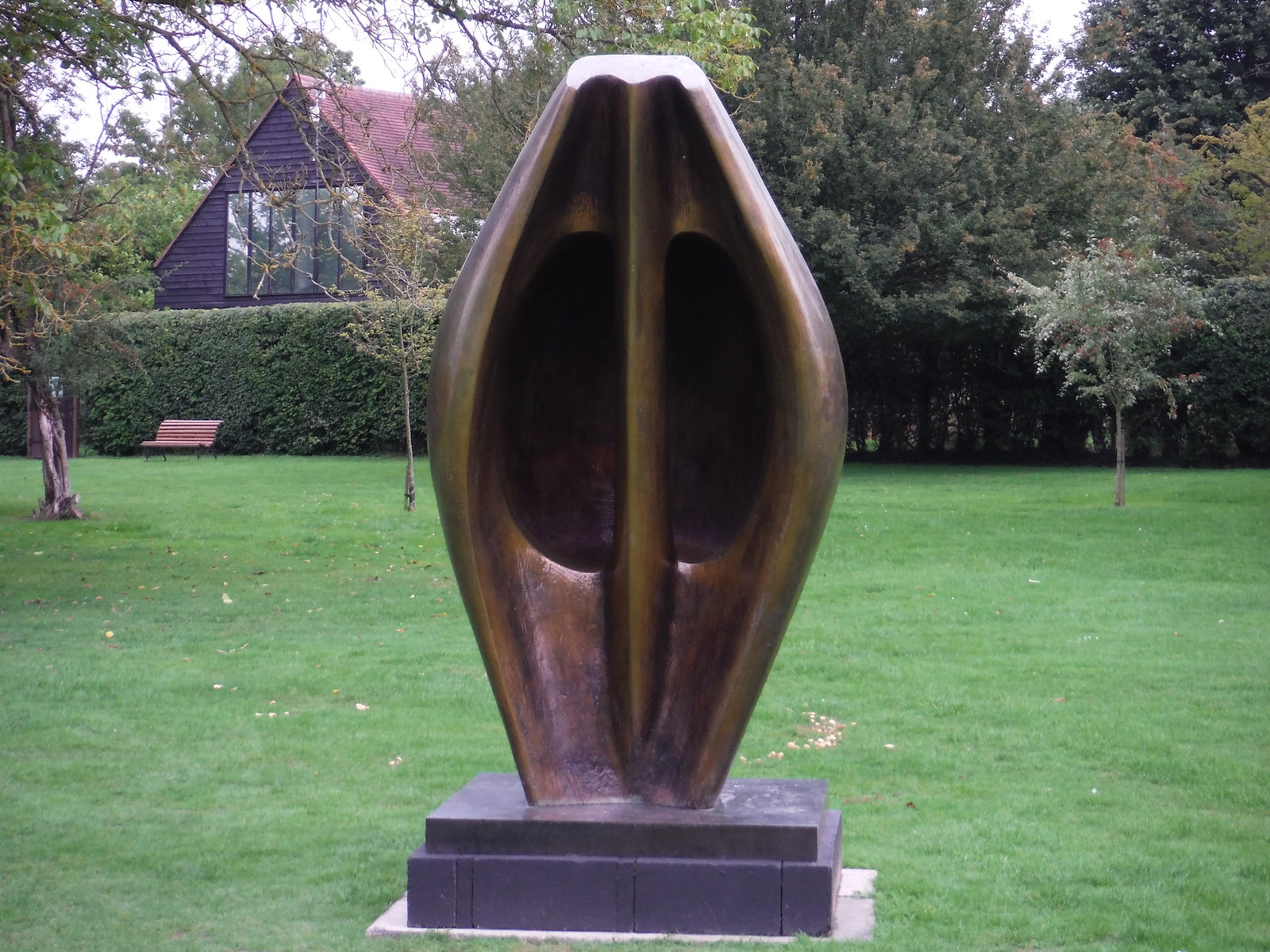 Large Totem Head (1968) SWC Walk 164 Roydon to Sawbridgeworth via Henry Moore Foundation
