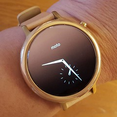My new toy - a second generation Moto 360 smart watch