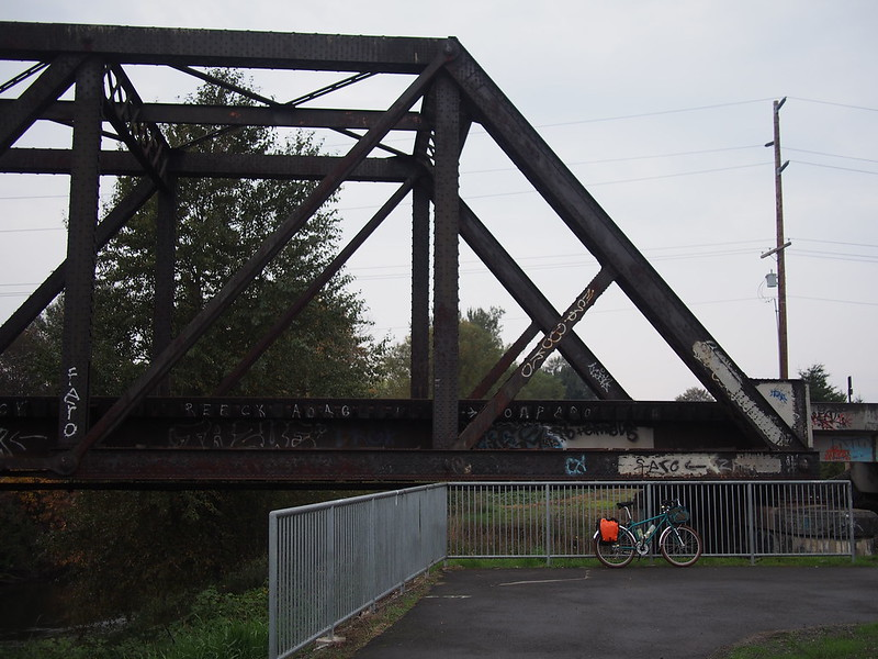 Green River Trail: Rather than going under the railroad tracks, the trail just turns and ends without a paved route to a road.