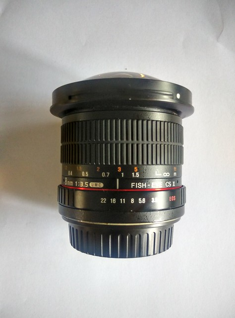 Samyang 8mm f/2.8 UMC Fisheye CS II