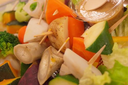 カラフル野菜のピンチョス good food for health and blood pressrure omron HEM-6321T 24