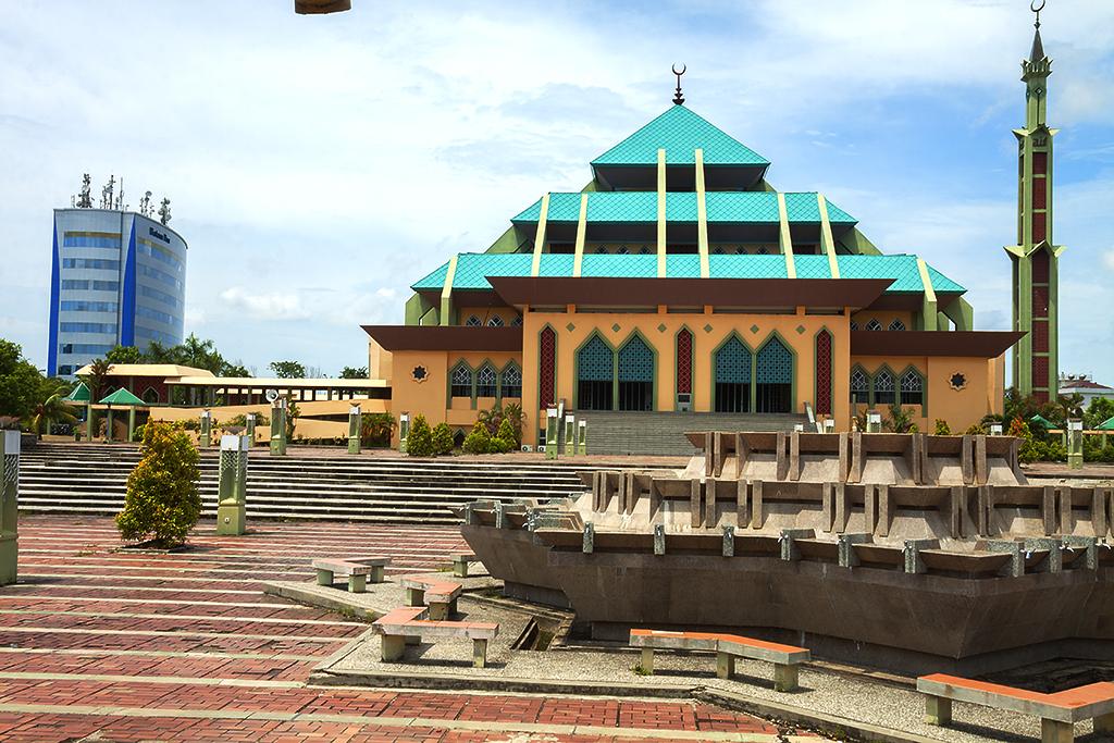 Raya Batam Mosque--Batam