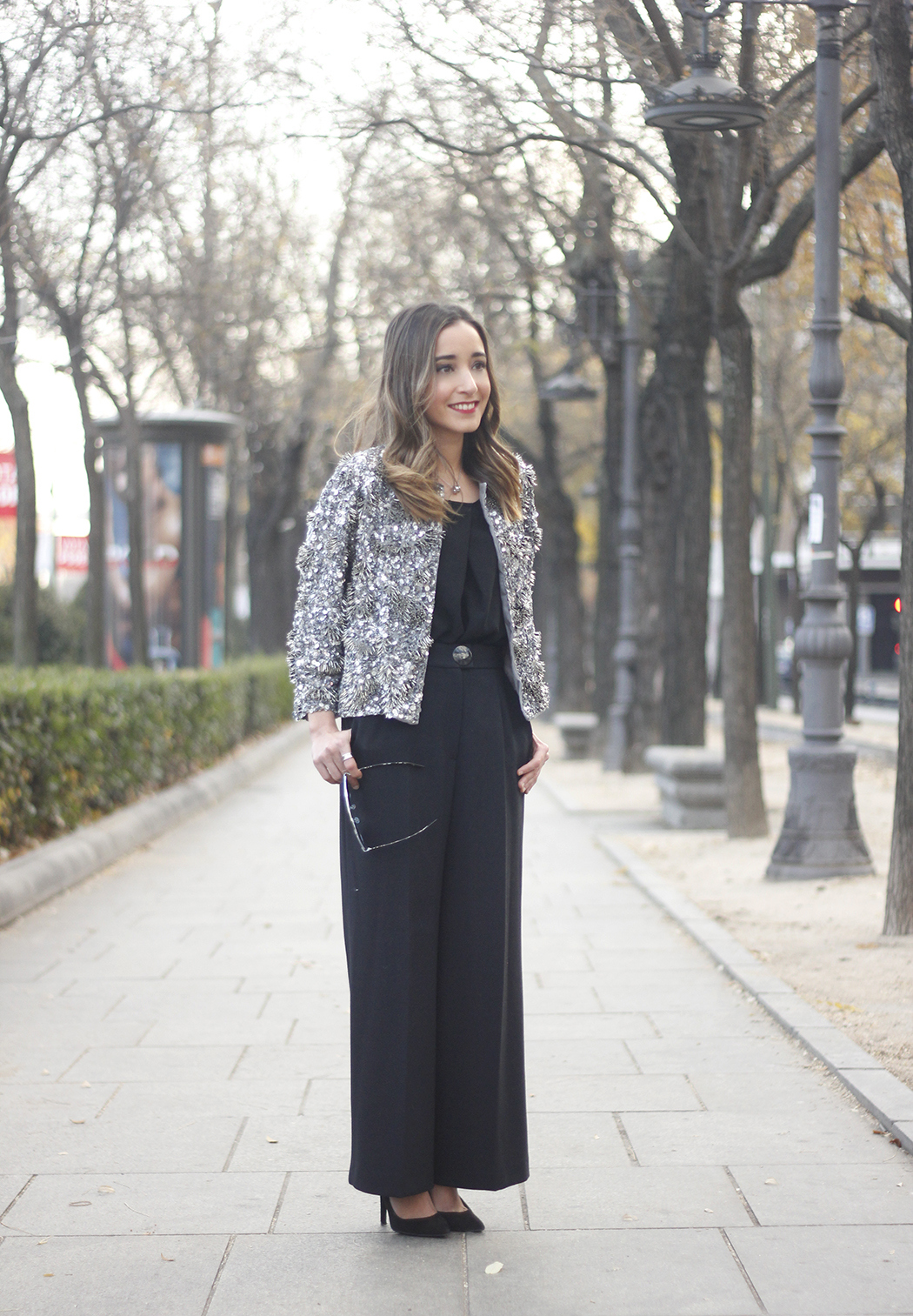 sequined jacket cropped trousers winter outfit black heels accessories streetstyle09