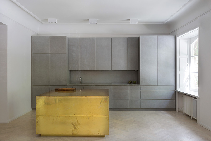 Amm Blog Grey Brass Kitchen