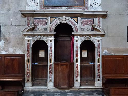 confessional en marbre