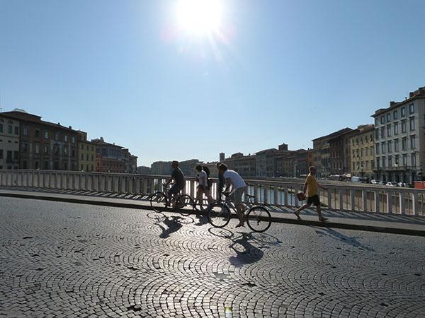 vélos au-dessus de l'Arno