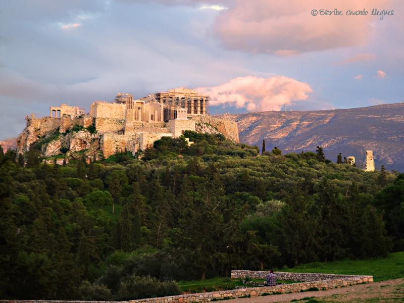 Acrópolis de Atenas al atardecer