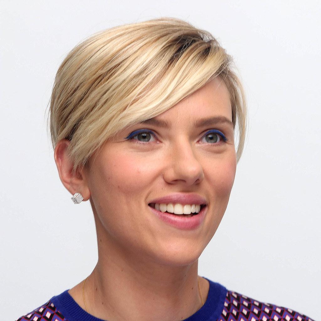 Скарлетт Йоханссон — Пресс-конференция «Мстители: Эра Альтрона» 2015 – 47