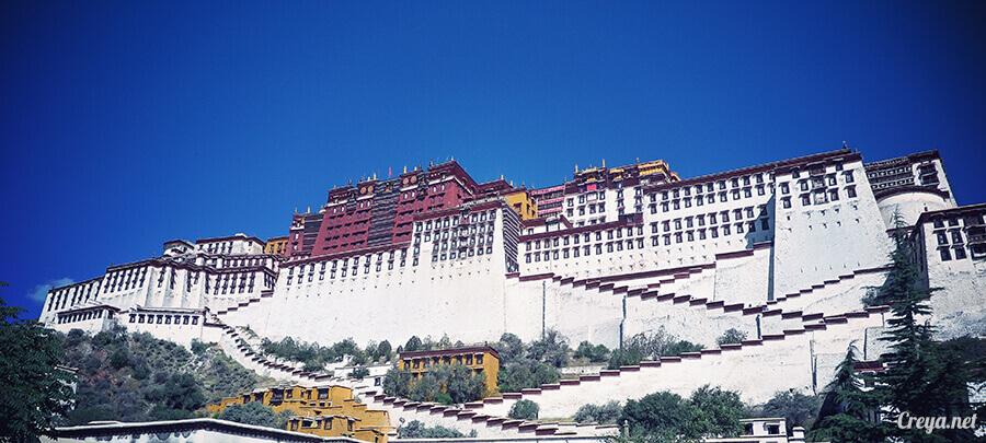 2015.12.04▐ Tibet 西藏踢北去 ▐ 藏人的精神殿堂布達拉宮,但或許不只我們高山反應沒精神…16.jpg