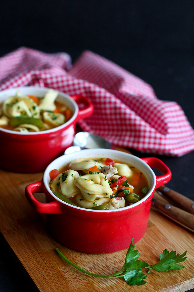Italian Chicken and Vegetable Tortellini Soup Recipe…Healthy comfort in a bowl! 259 calories and 5 Weight Watchers Freestyle SP #healthy #soup
