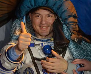 Expedition 45 Soyuz TMA-17M Landing (NHQ201512110014)