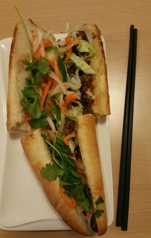2015-Dec-11 Miss Saigon grilled chicken bahn mi