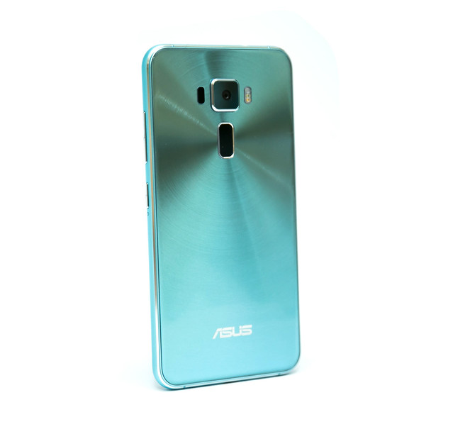 多了些不同!Zenfone 3 全球限量『湖水藍』新色,阿輝分享照來啦~ @3C 達人廖阿輝