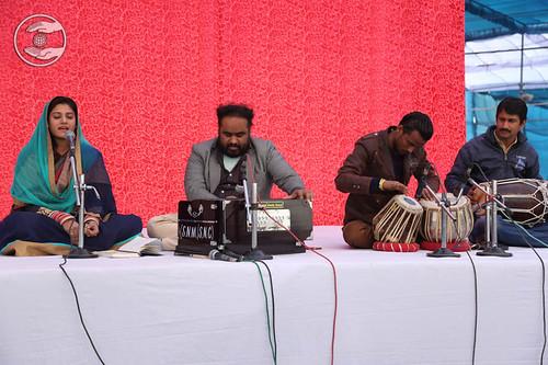 Devotional song by Khushi Maan from Sant Nirankari Colony, Delhi