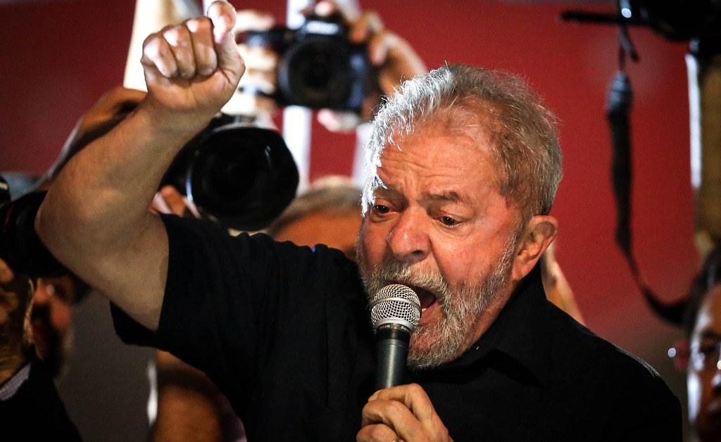 Lula: o preso está solto nas ruas, por Paulo Cidmil, Lula da Silva