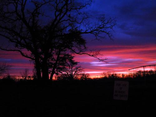 pink blue sunset sky clouds three sundown dusk silhouettes mo missouri kansas toto backlighting warrensburg 64093