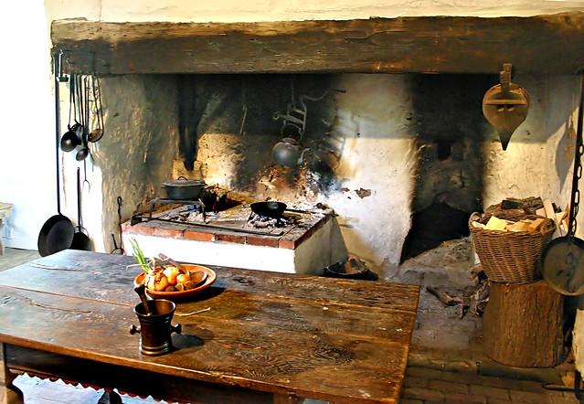 Impressive Colonial Kitchen Fireplace 500 x 346 · 162 kB · jpeg
