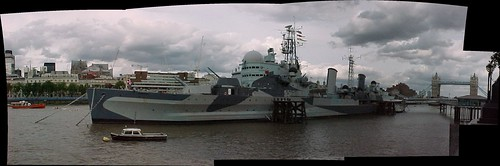 London : HMS Belfast on the Thames by Craig Grobler