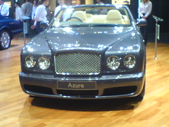 bentley continental gtc(0.0), bentley continental gt(0.0), bentley arnage(0.0), automobile(1.0), automotive exterior(1.0), bentley azure(1.0), bentley brooklands(1.0), vehicle(1.0), performance car(1.0), automotive design(1.0), bentley continental flying spur(1.0), bumper(1.0), sedan(1.0), land vehicle(1.0), luxury vehicle(1.0), bentley(1.0), convertible(1.0),