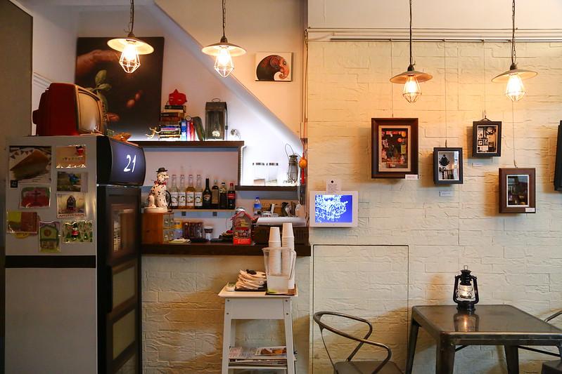 21,Bar,Cafe,Living,咖啡館︱喝咖啡,有地UDE Café Bistro,西門町咖啡館 @陳小可的吃喝玩樂