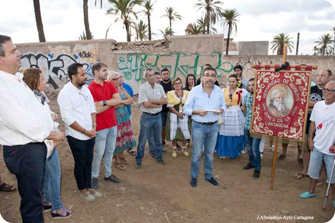Los alcaldes encabezan la concentración por la recuperación del Monasterio de San Ginés
