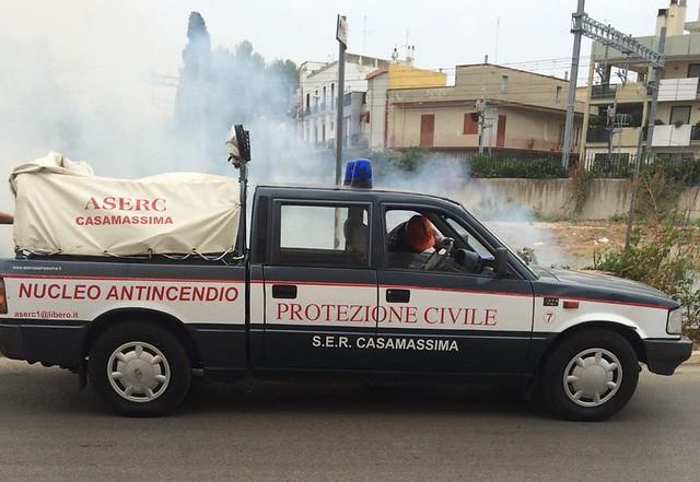 Rutigliano-Rutigliano, in fiamme un suolo in via del Ciliegioipotesi di incendio doloso (2)