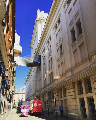 The bridge of aspiration (Royal ballet school to royal opera house) #royaloperahouse #ballet #royalballet #coventgarden #London #londres