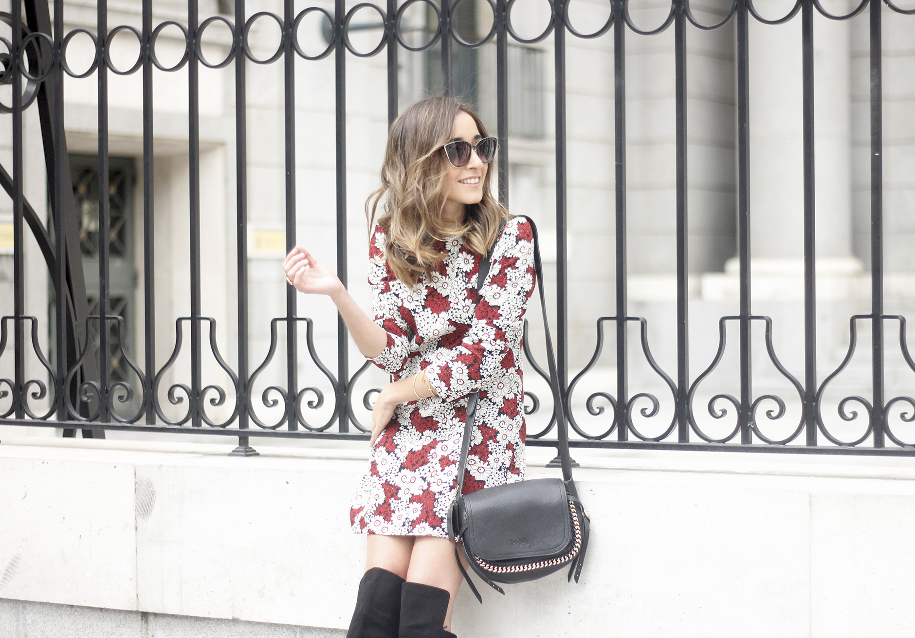 floral dress with a seventies flavour and over the knees boots outfit18