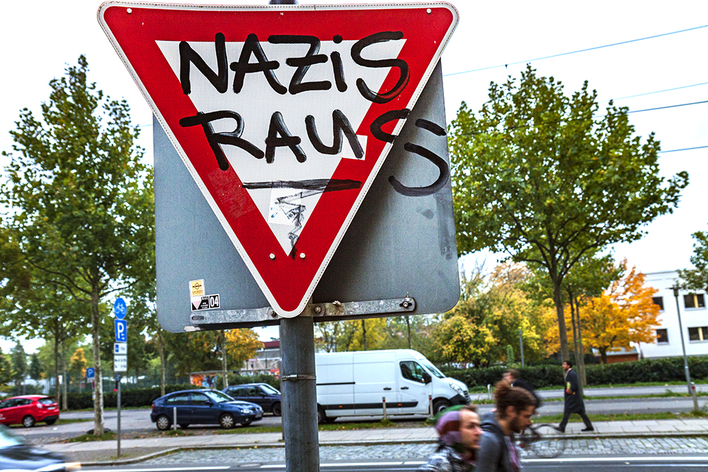 NAZIS RAUS on traffic sign in Neustadt--Leipzig