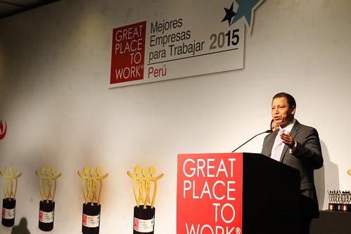 01.12.2015 MTPE participó de entrega de reconocimiento a las mejores empresas para trabajar en el Perú.