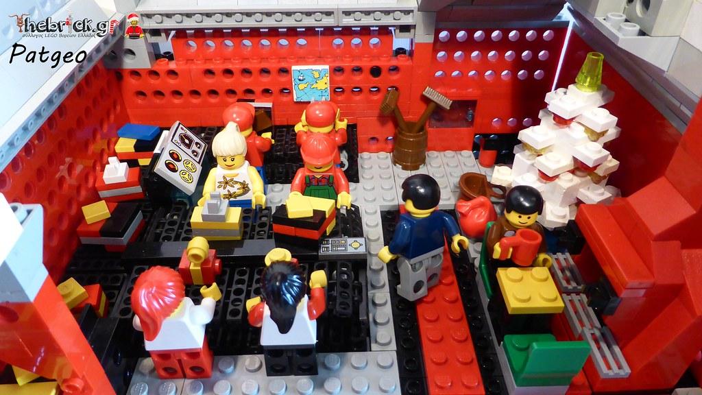 """[BuildtheBrick #2]: """"Santa's Workshop"""" 23551000291_39c427acd1_b"""