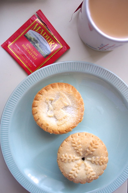 Big Sister (Australia) and Walkers (British) mince pies, Mandura English Breakfast