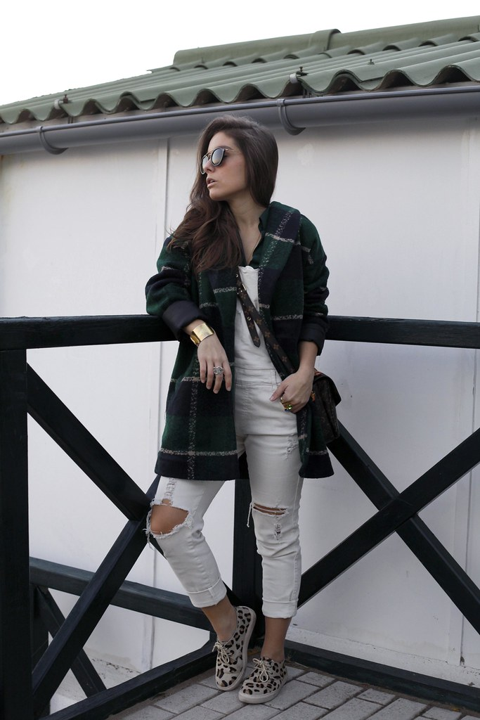 01_Green_tartan_coat_theguestgirl_outfit_laura_santolaria_blogger_barcelona_influencers_inspo_looks_casual