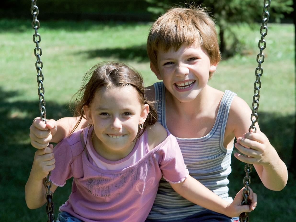Trẻ em với run vô căn