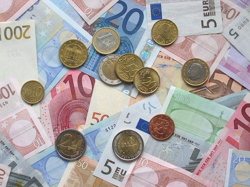 Some Euro banknotes and coins