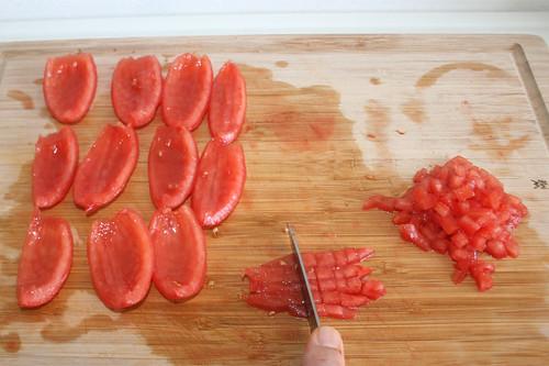 20 - Tomaten würfeln / Dice tomatoes